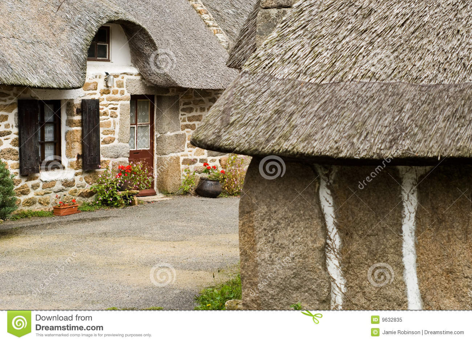 Case In Pietra Antiche : Case di pietra antiche del brittany in francia immagine stock