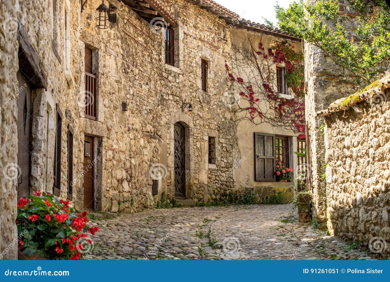 Case In Pietra Antiche : Case francesi di pietra tradizionali antiche spettacolari in