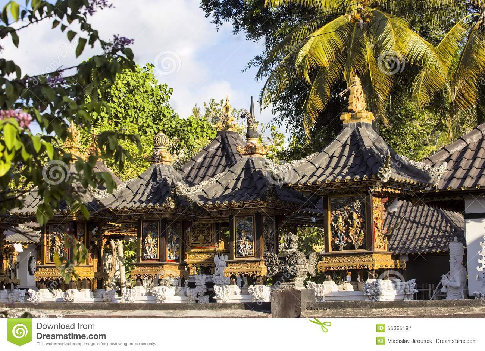 Case indù della cultura dei fantasmi, Nusa Penida, Indonesia
