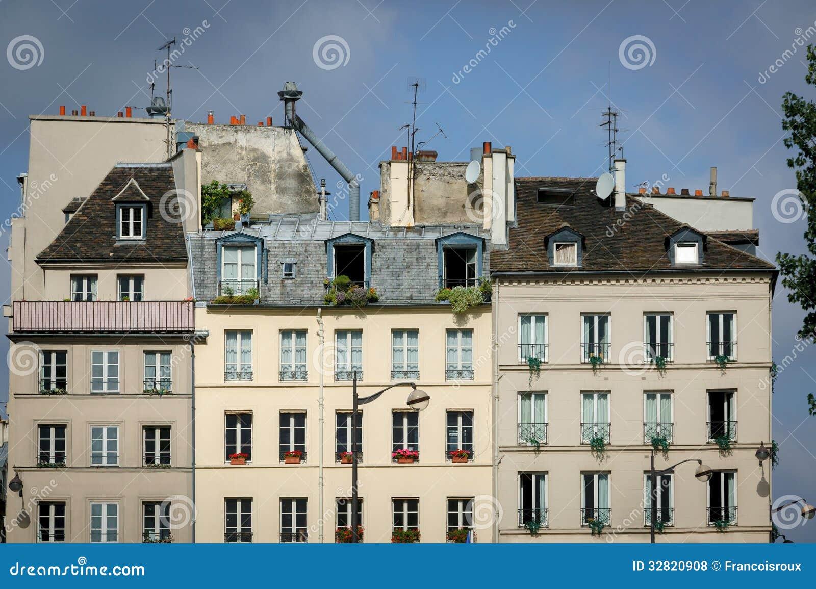 case parigine e tetti sulla riva sinistra parigi