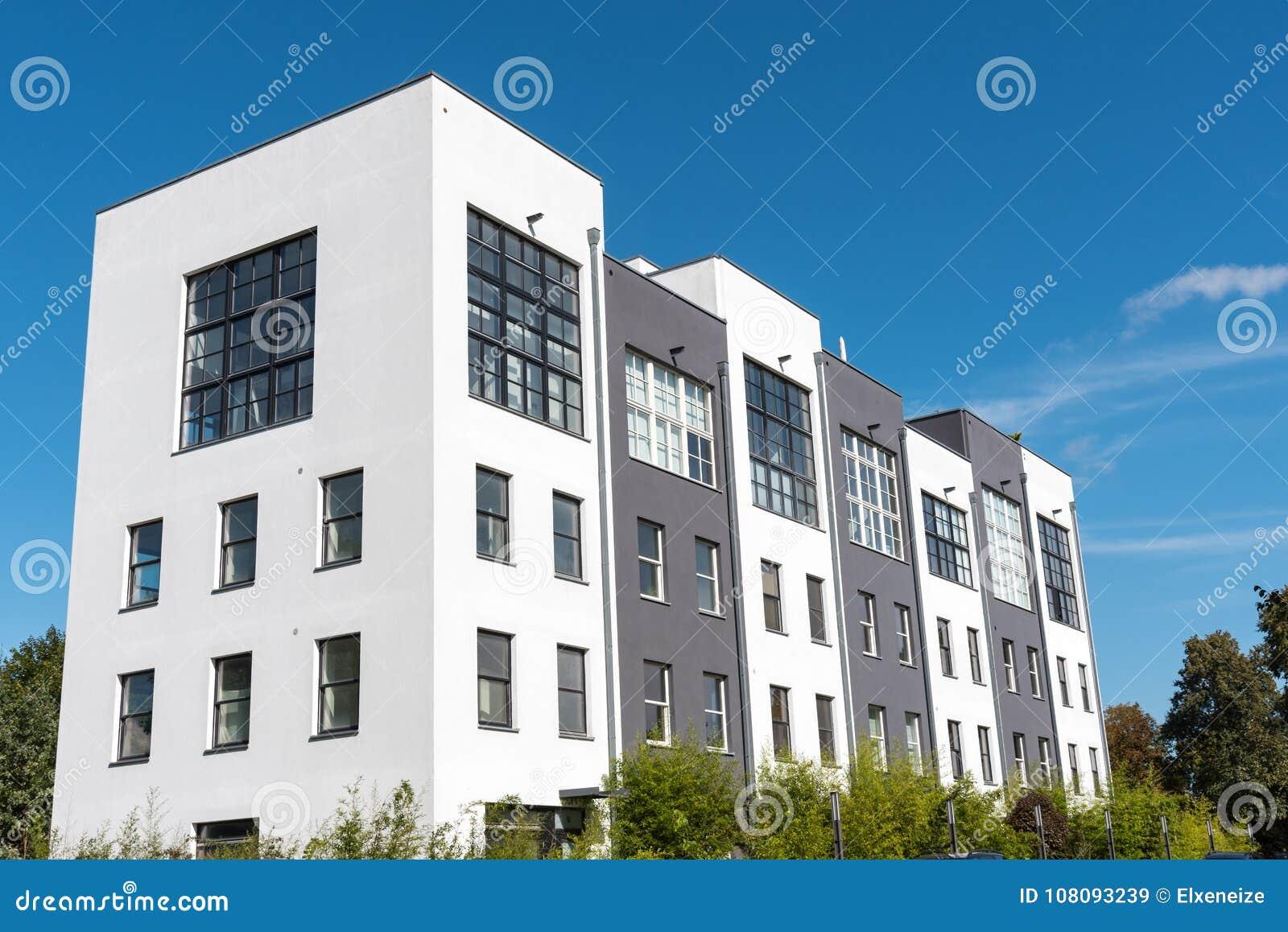 Case a schiera moderne a Berlino, Germania