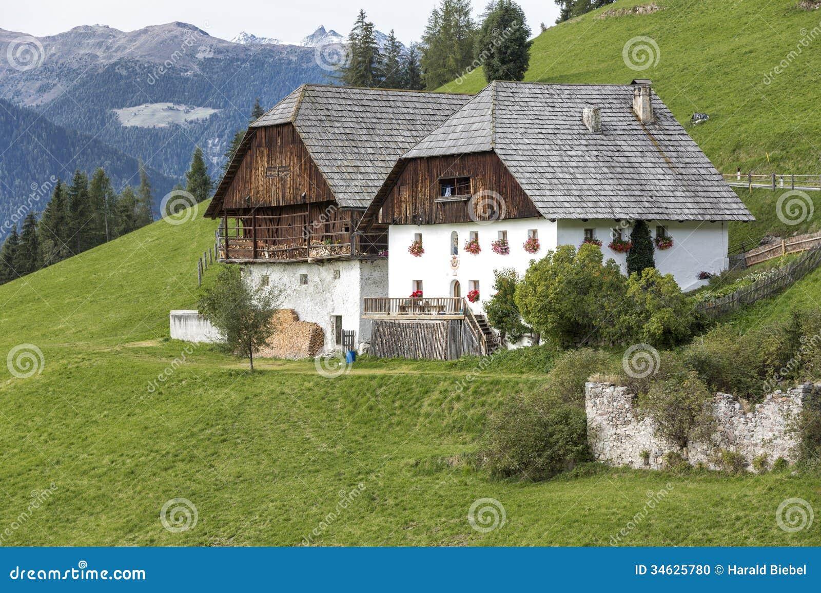 Case tipiche dell 39 azienda agricola nel tirolo del sud for Piani casa del sud del cottage