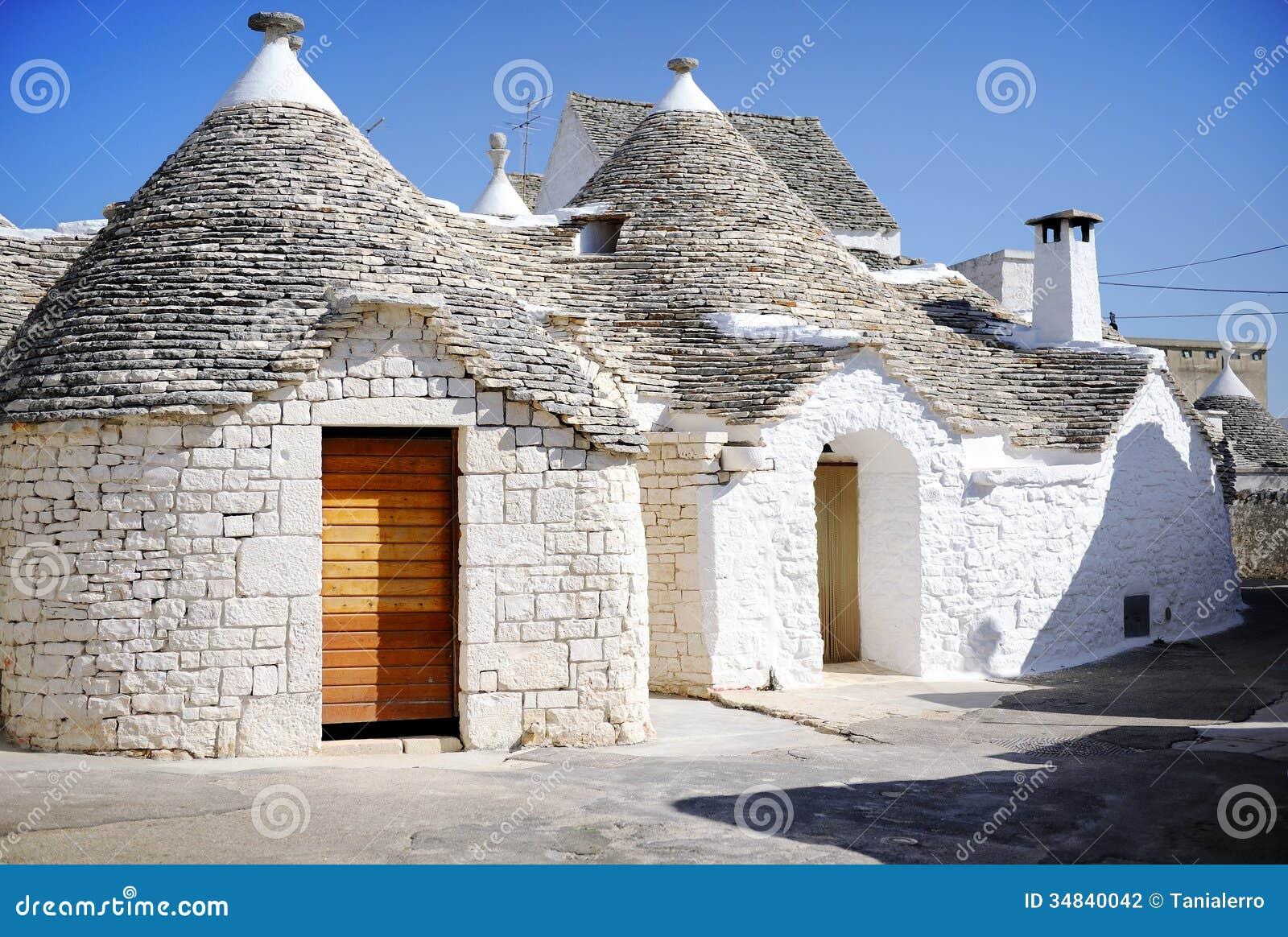 Case tipiche di trulli in alberobello italia fotografia for Calcare di piani casa texas