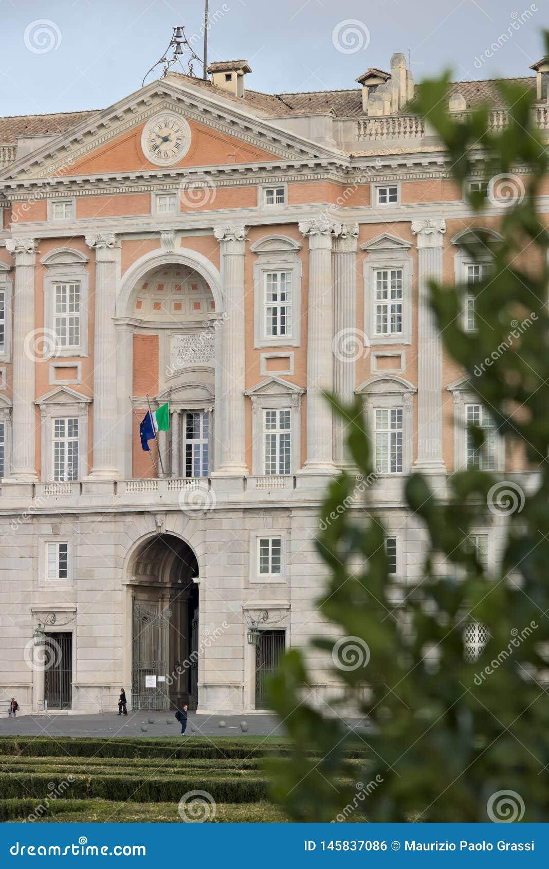 Caserta, Ιταλία 27/10/2018 Κύρια εξωτερική πρόσοψη της Royal Palace Caserta Ιταλία Σχεδιασμένος από τον αρχιτέκτονα Luigi