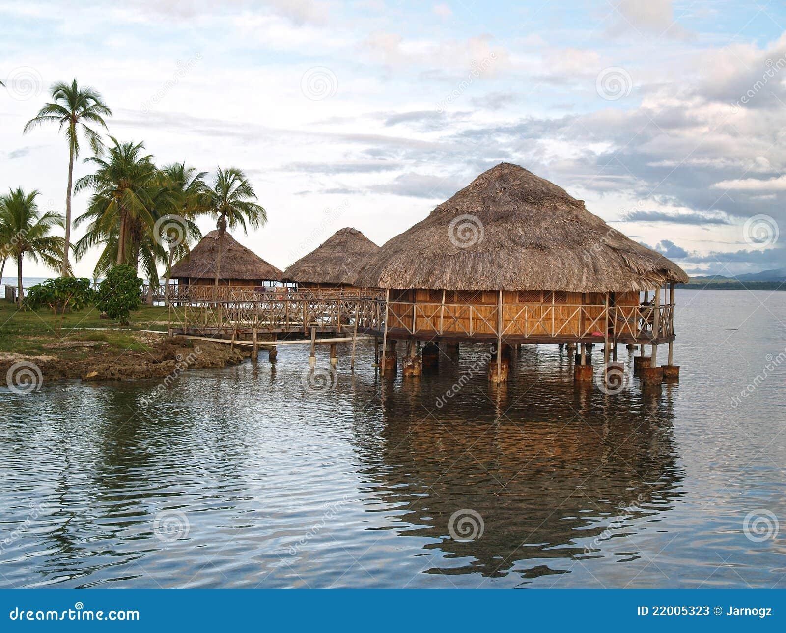 Casette su acqua, isole del San Blas