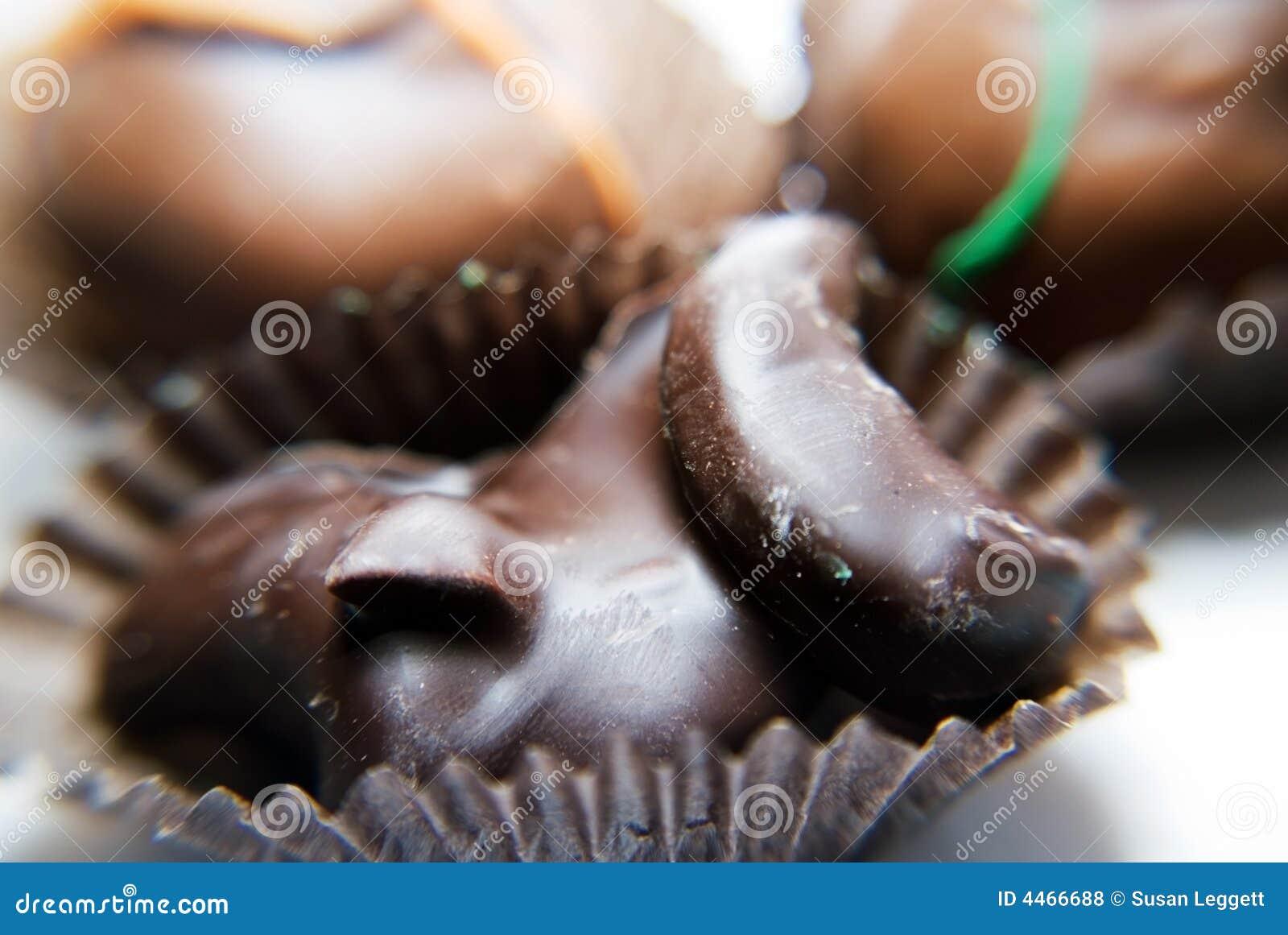 Cashews covered in dark chocolate