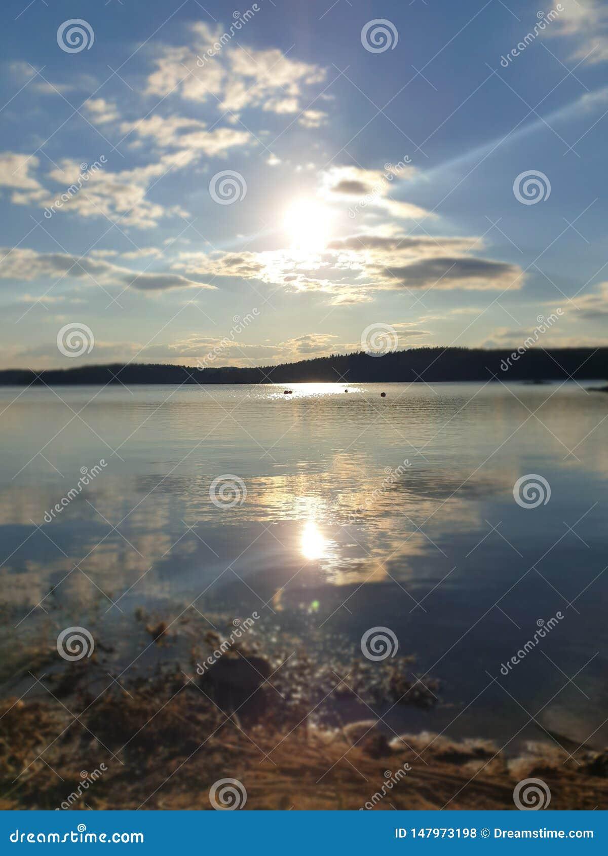 Casi puesta del sol en Suecia