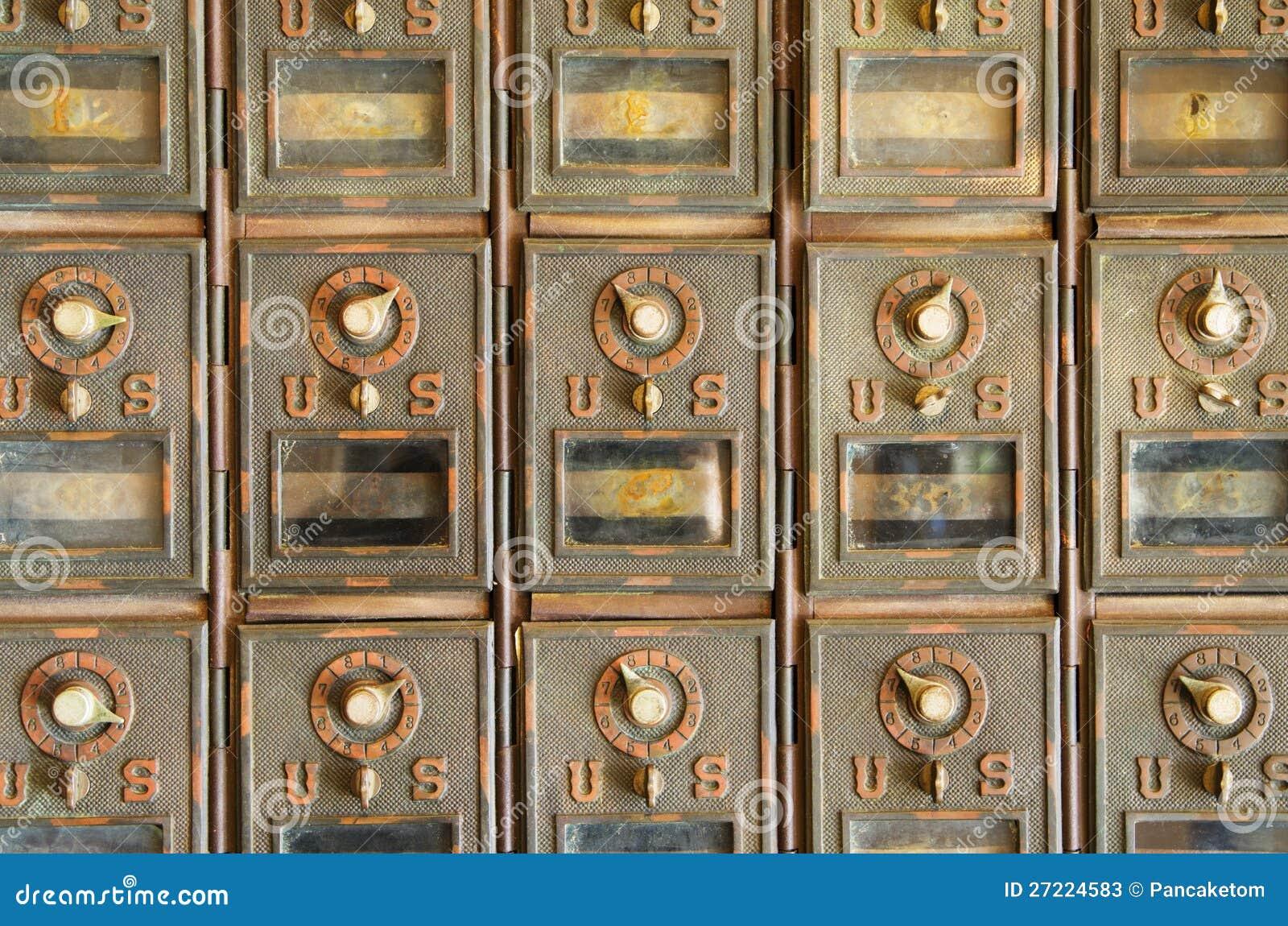 Casiers de courrier de cru