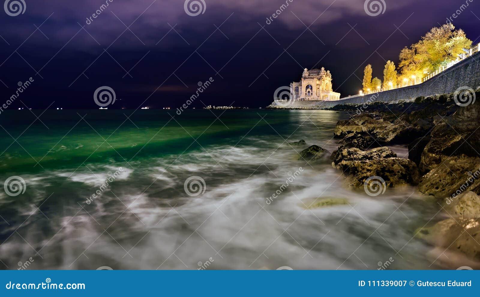 Casino de Constanta costa em Romênia, o Mar Negro