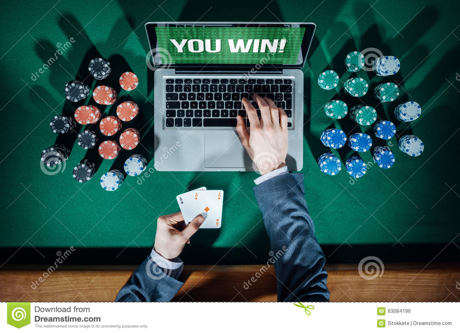 Download Casino Et Tisonnier En Ligne Photo stock - Image du vert, enjeu: 63084196