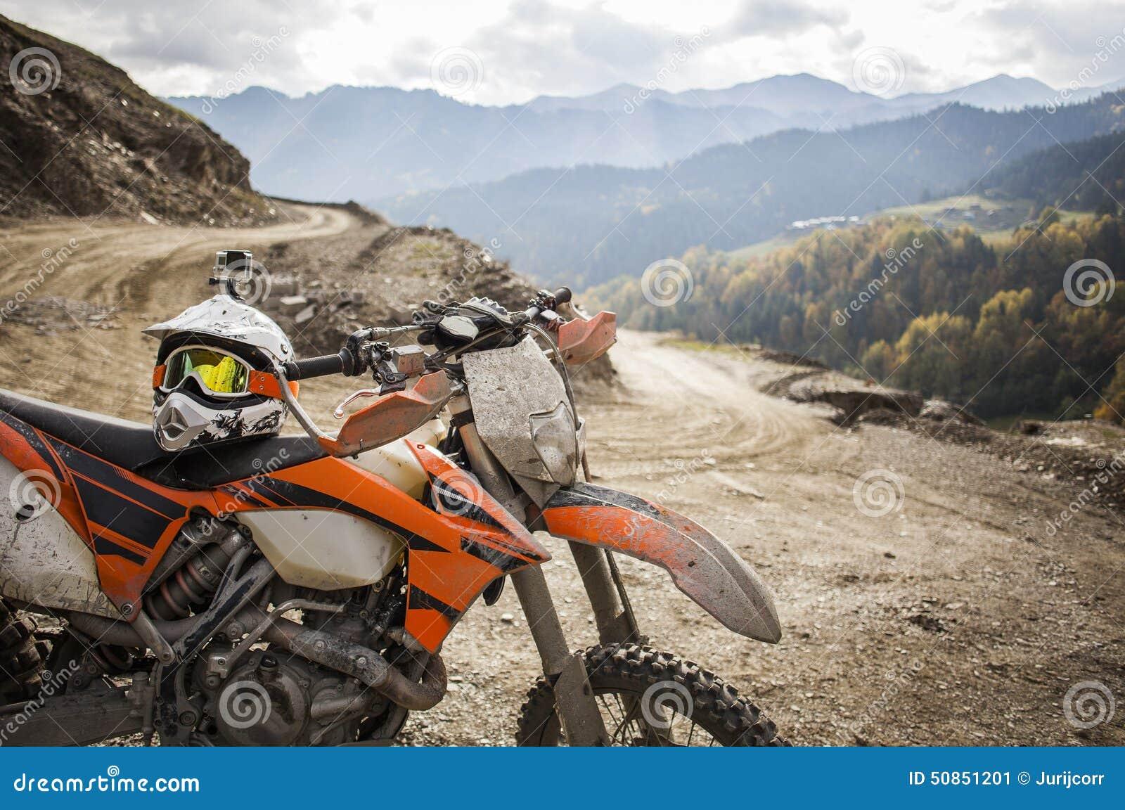 Casque Sale De Motocross De Moto Denduro Sur La Route Image Stock
