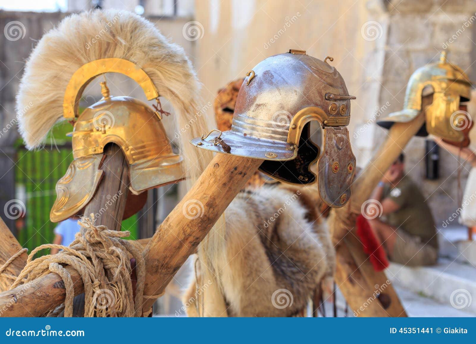 Casques d empire romain