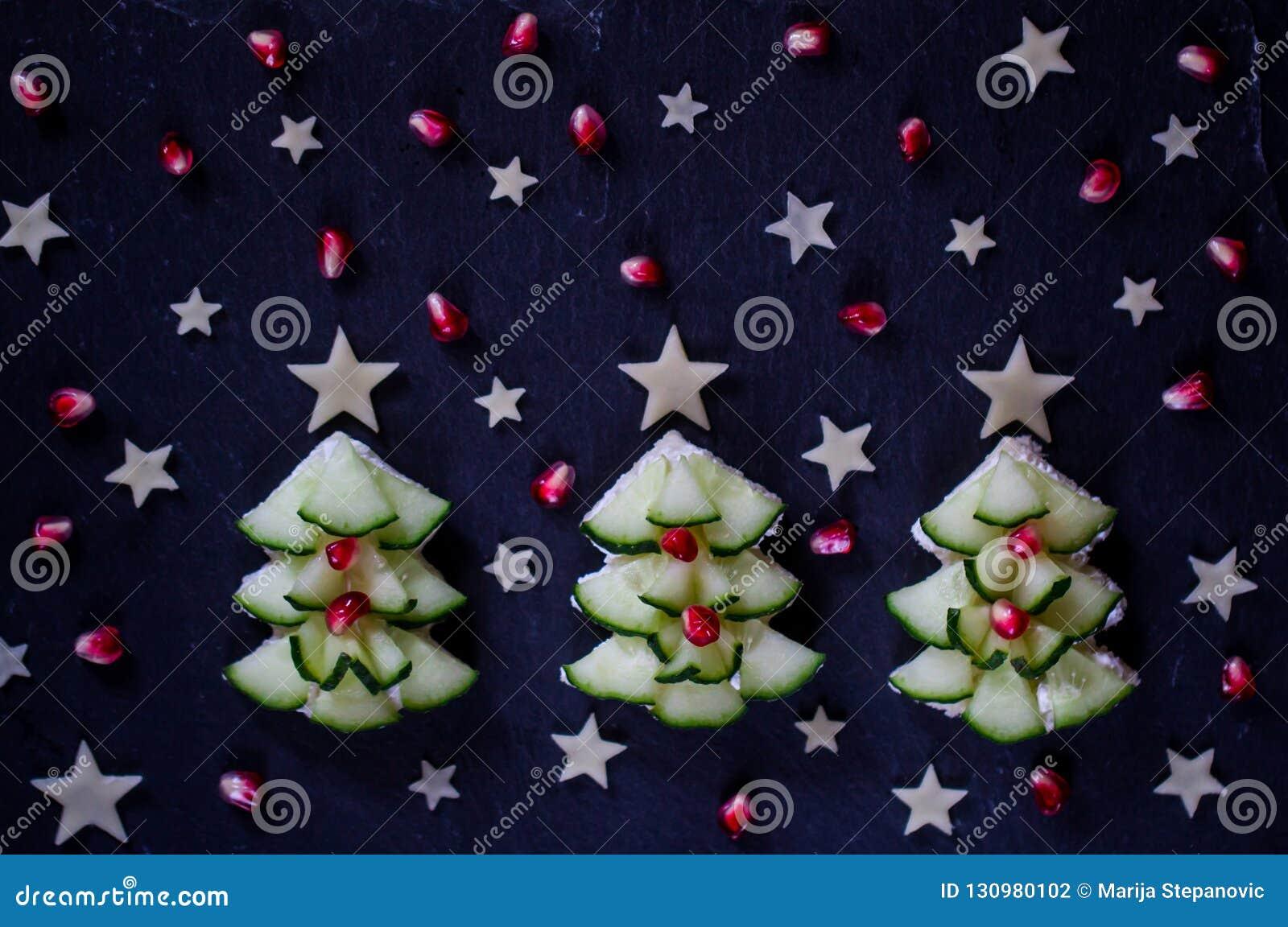 Casse-croûte créatif et sain de Noël pour des enfants Petit déjeuner de vacances