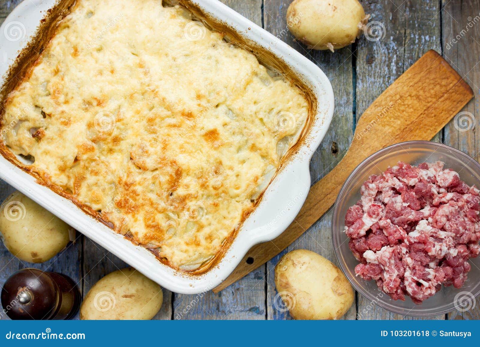 Casserole κρέατος πατατών