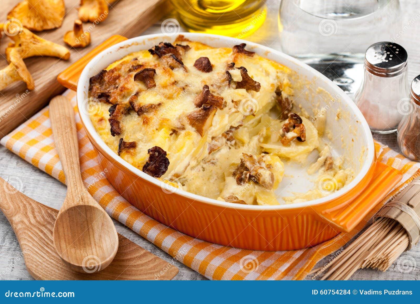 Casserole величает картошка