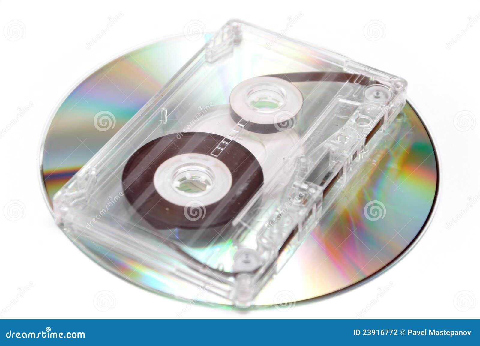 Cassette de la cinta de audio y disco compacto digital