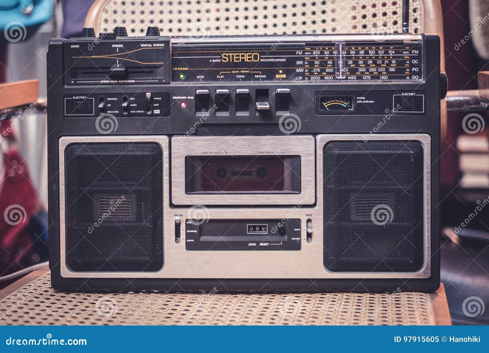 Cassetterecorder/audiospeler - de jaren  80radio