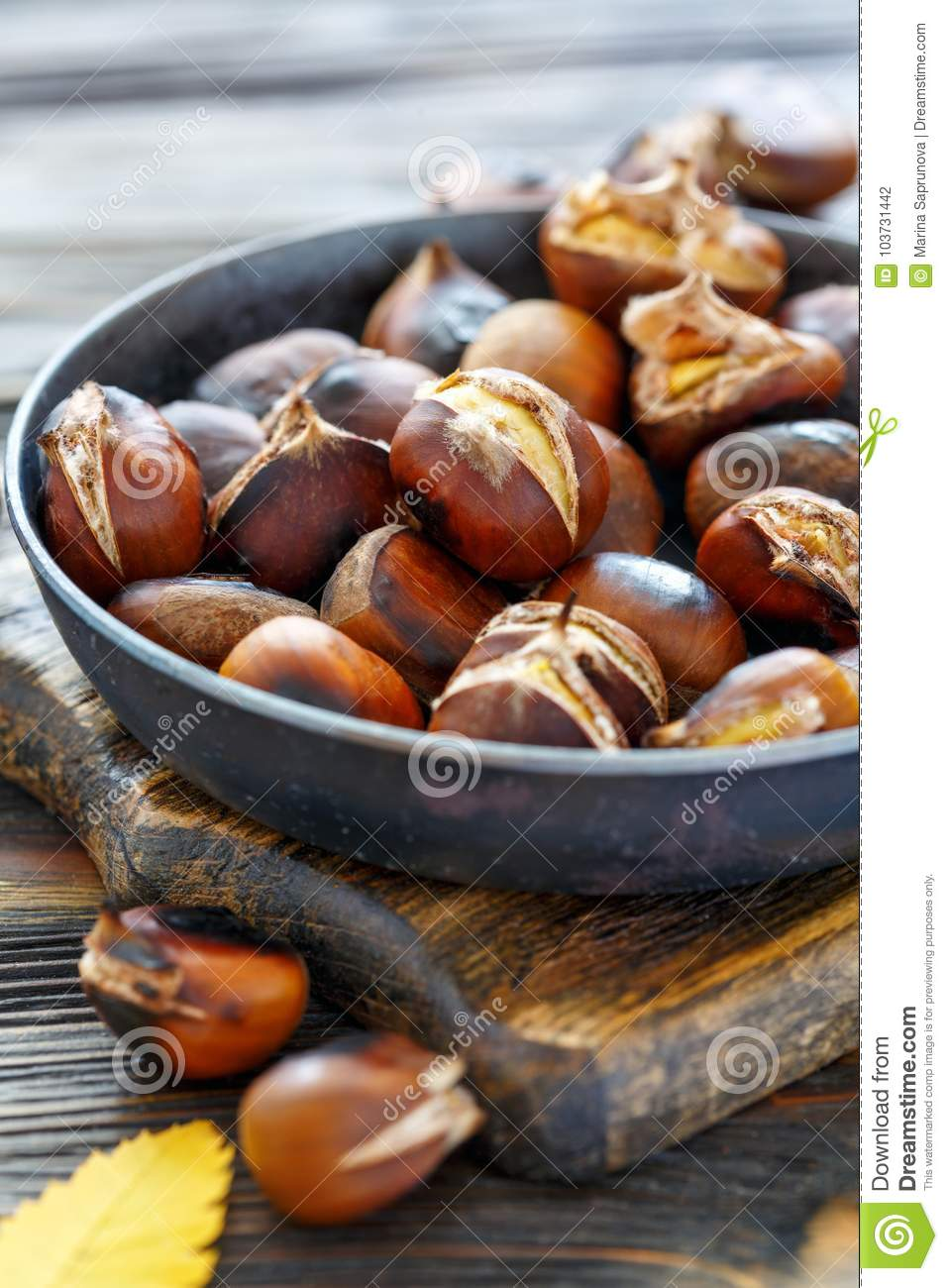 how to roast chestnuts in a pan