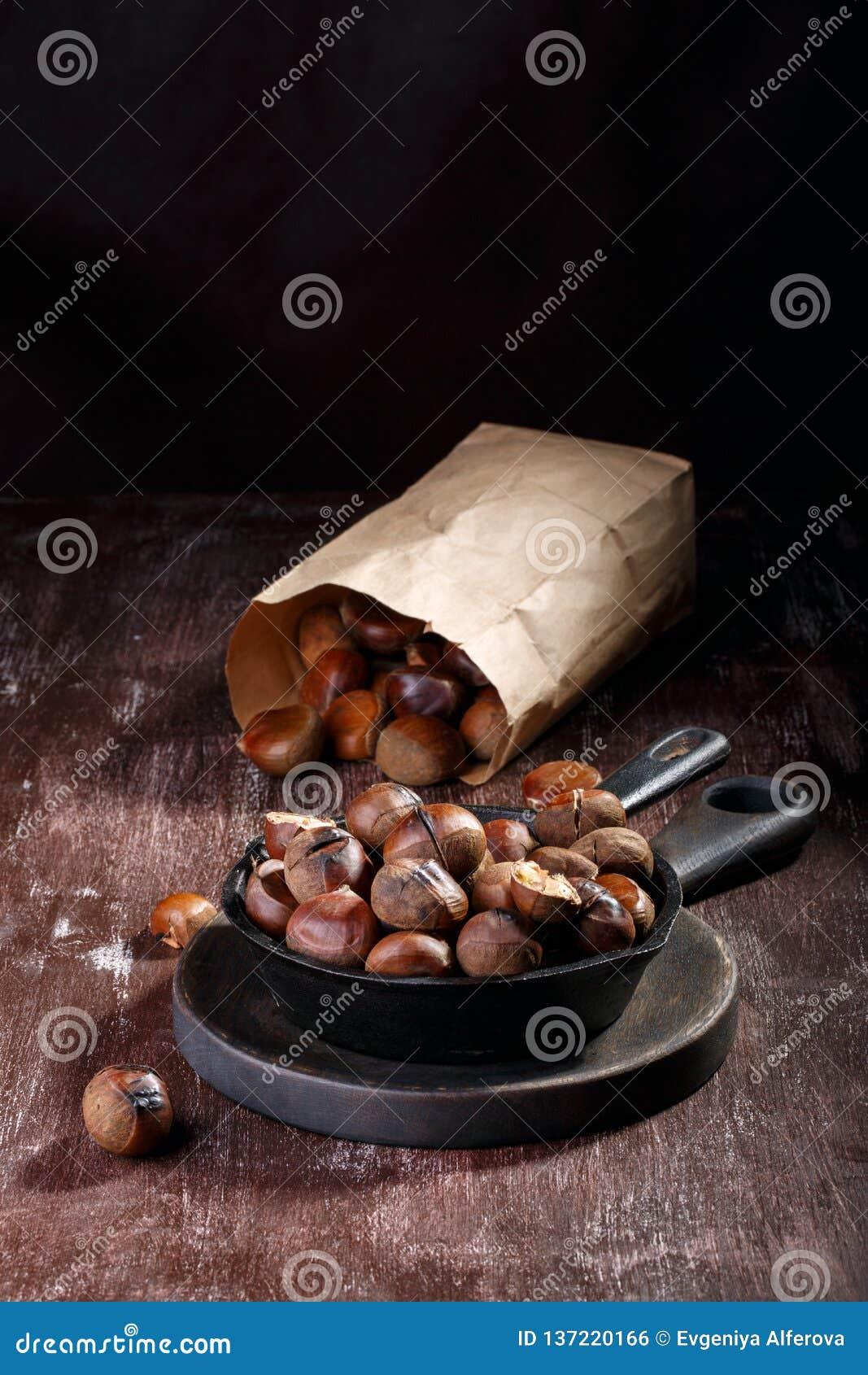Castañas comestibles asadas