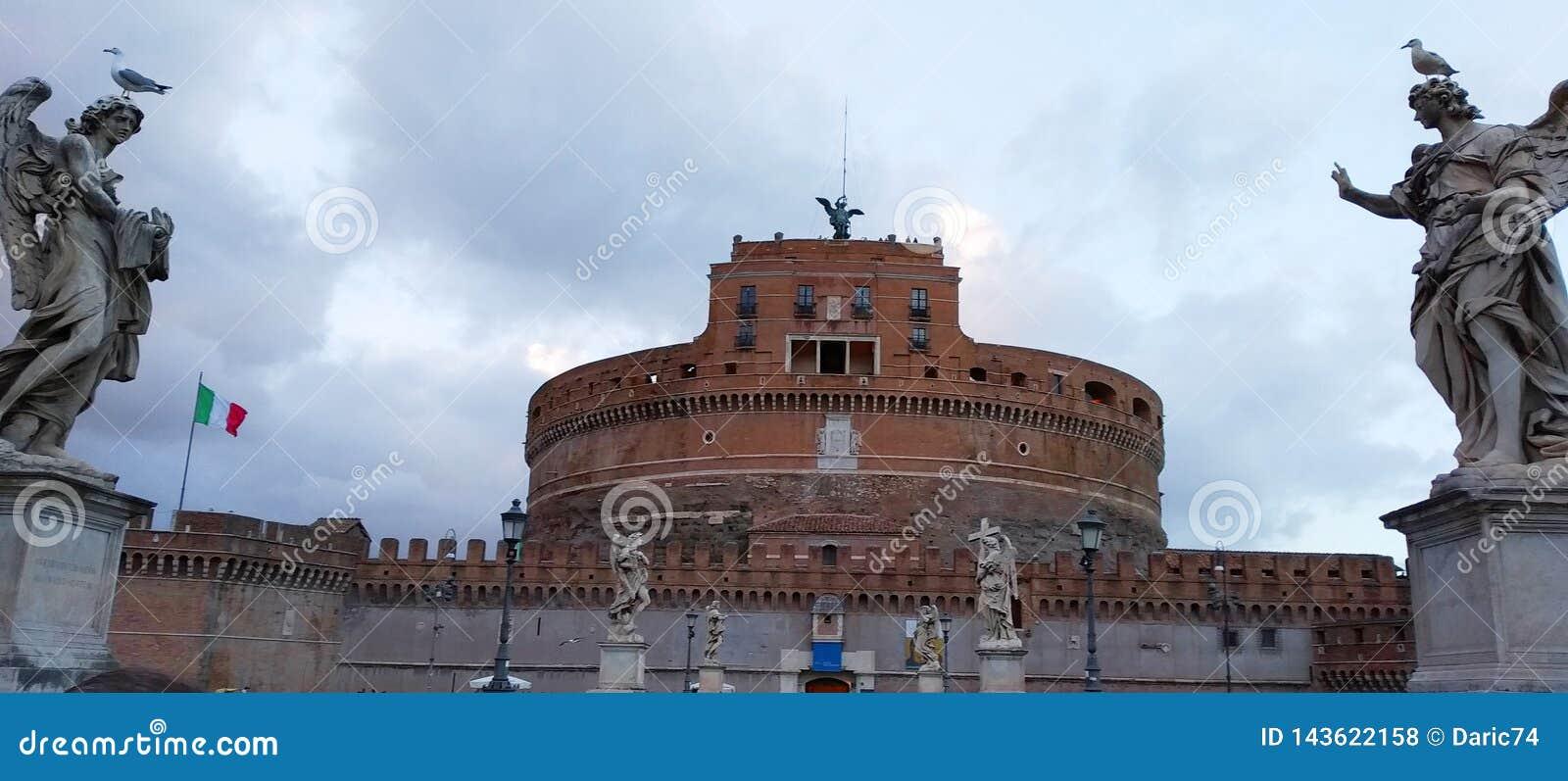 Castel Sant angelo ? Rome, Italie