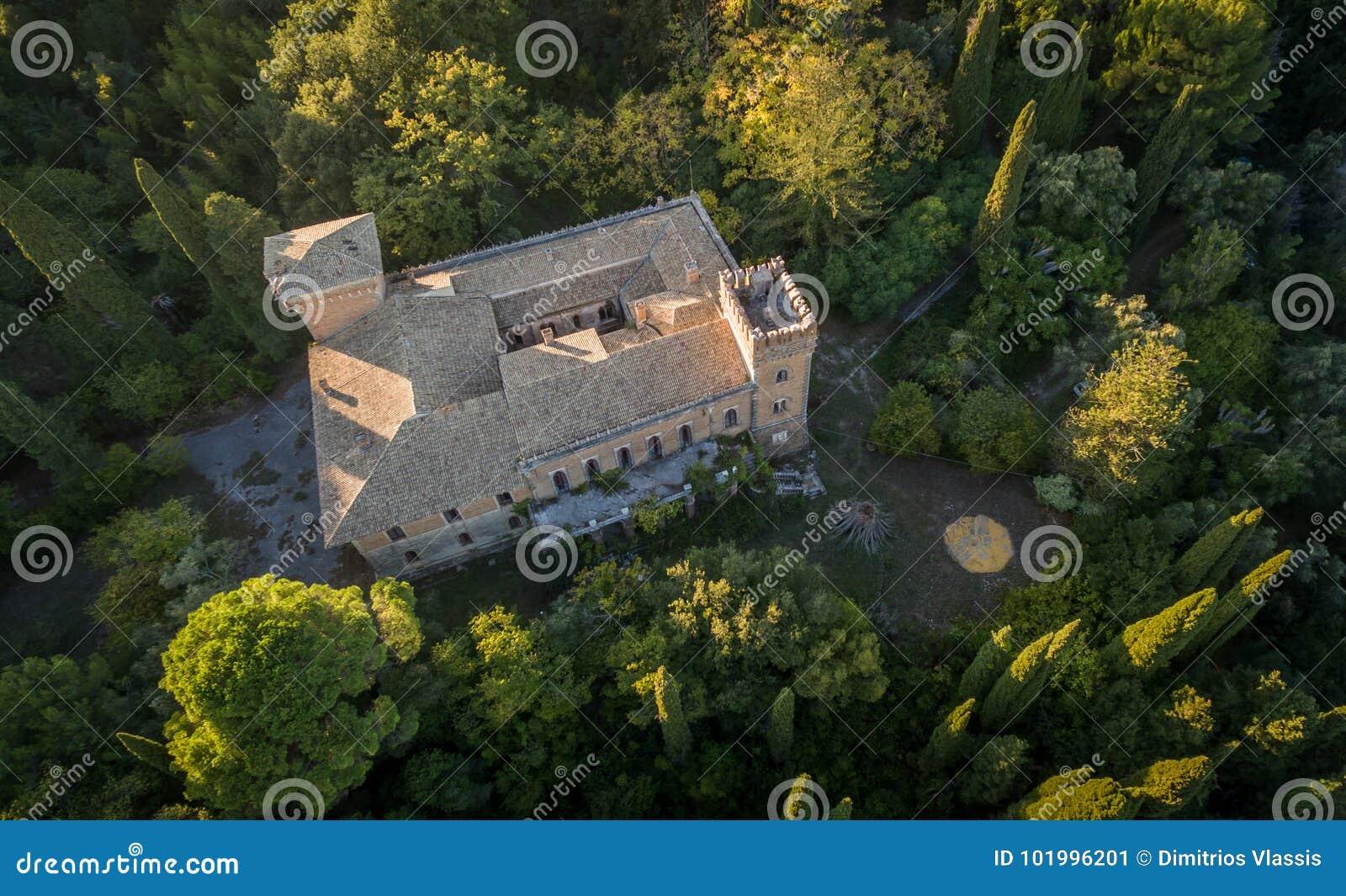 Castello Bibelli на Корфу Греции Вилла XVIII века элегантная которая теперь покинута