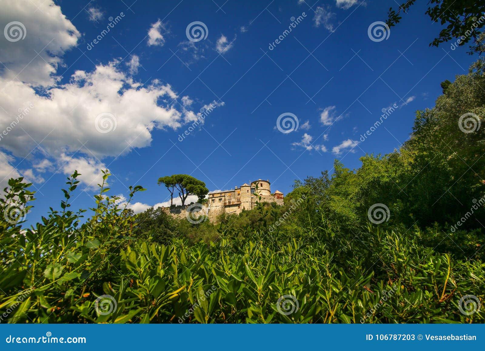Castello Brown także znać jako San Giorgio kasztel lokalizował wysokość nad schronienie Portofino