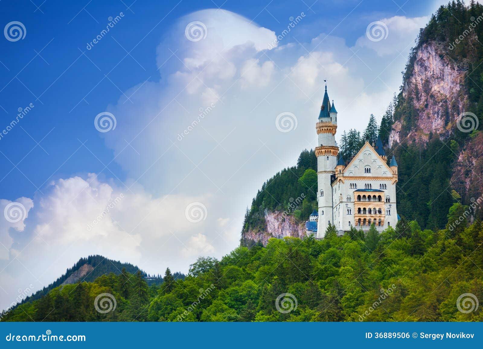 Download Castello Del Neuschwanstein Fotografia Stock - Immagine di magnifico, attrazione: 36889506