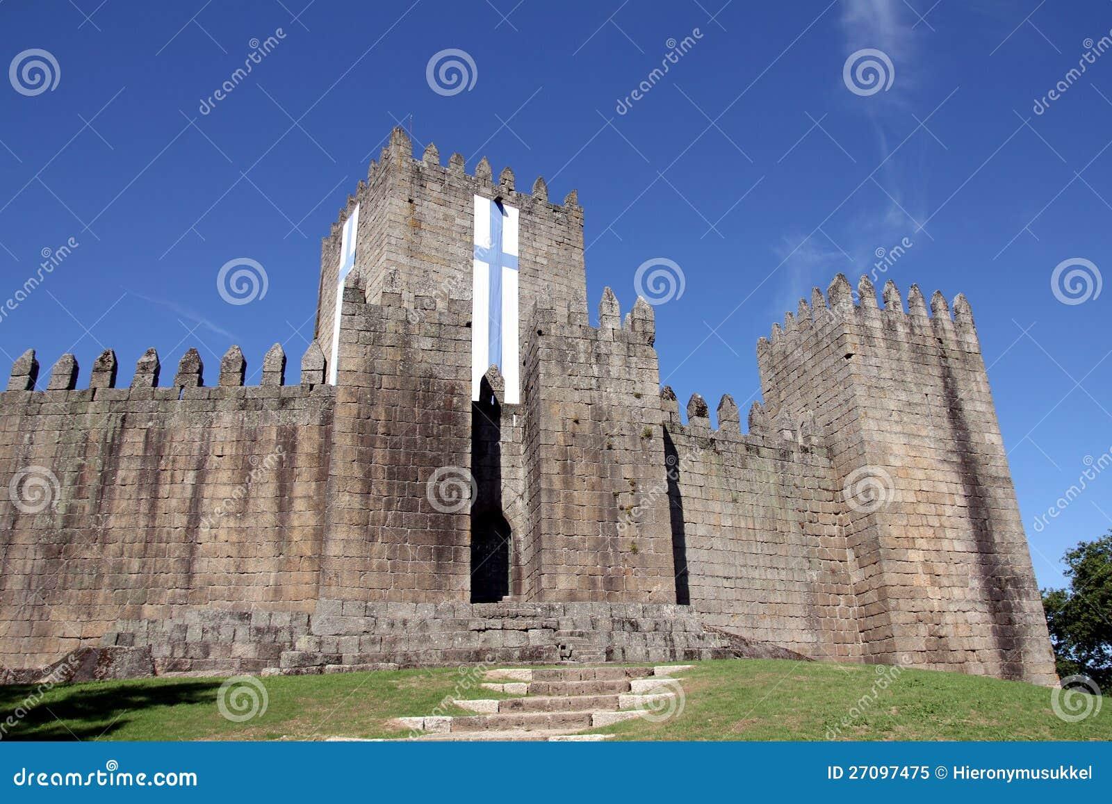 Castello di Guimaraes nel Portogallo