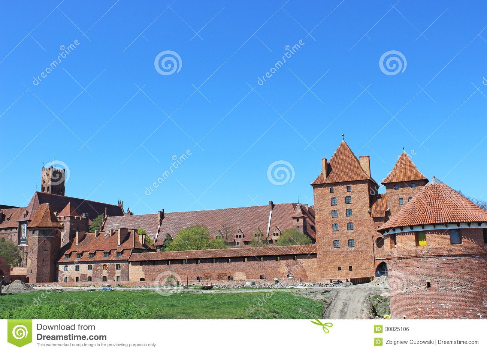 Castello di Malbork di panorama. La Polonia