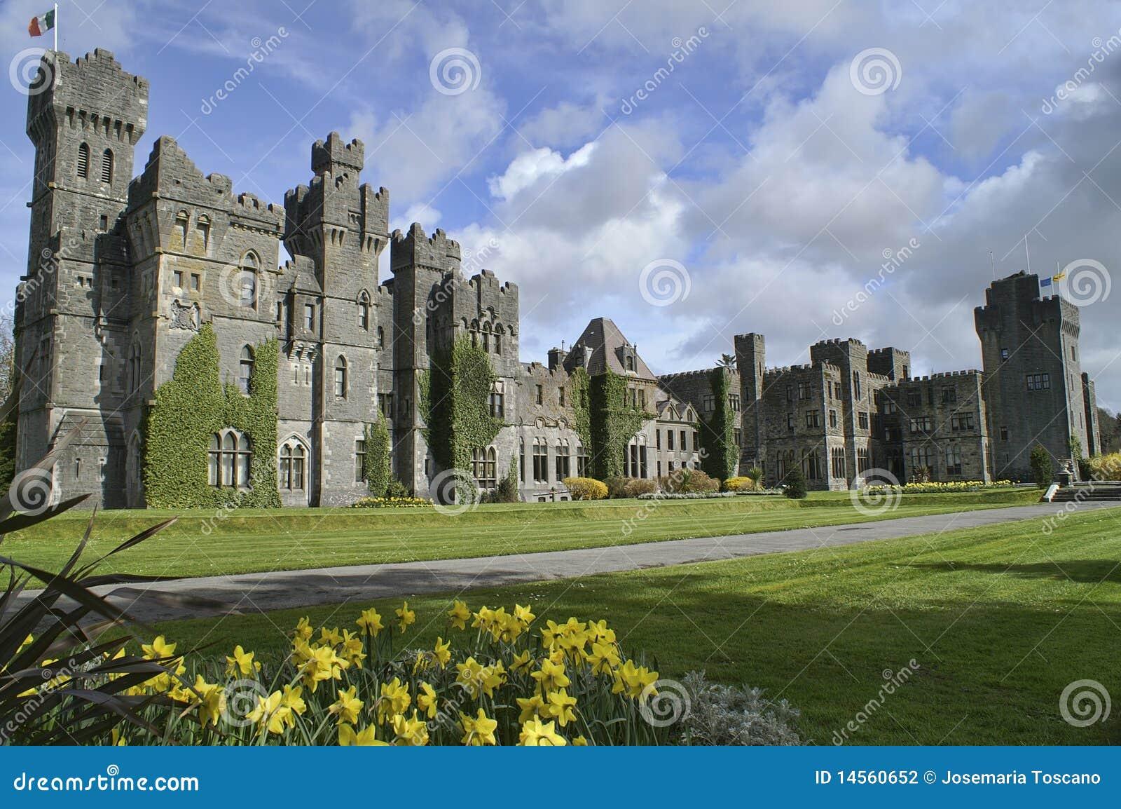 Castello famoso di Ashford, contea Mayo, Irlanda.