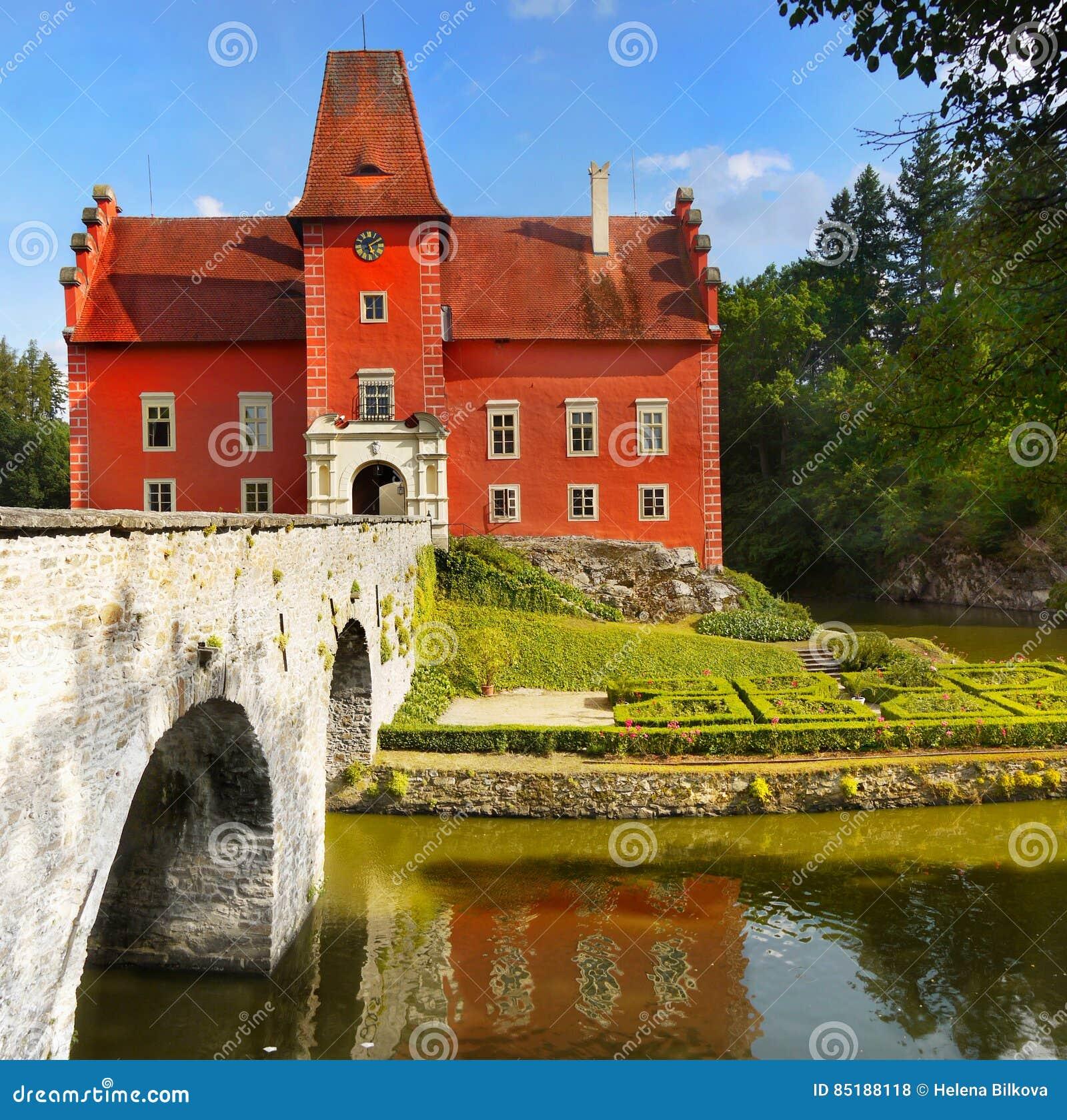 Castelo da água do conto de fadas