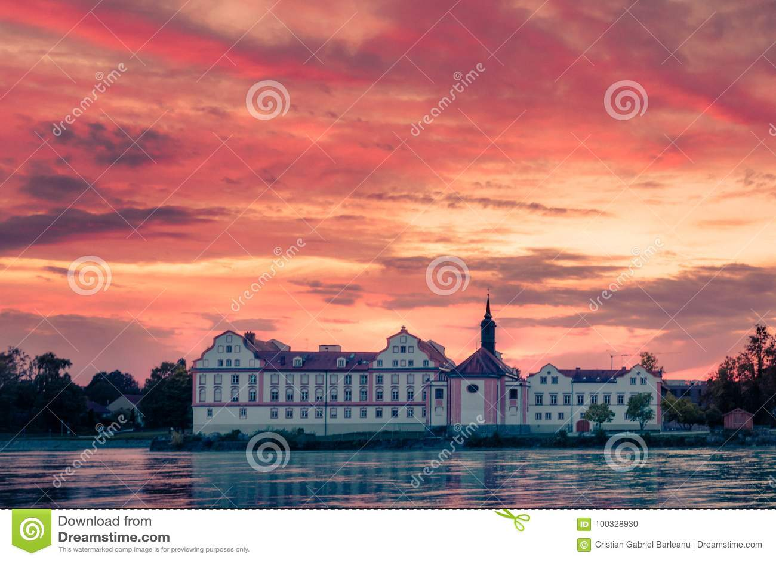 Castelo da pensão de Neuhaus am