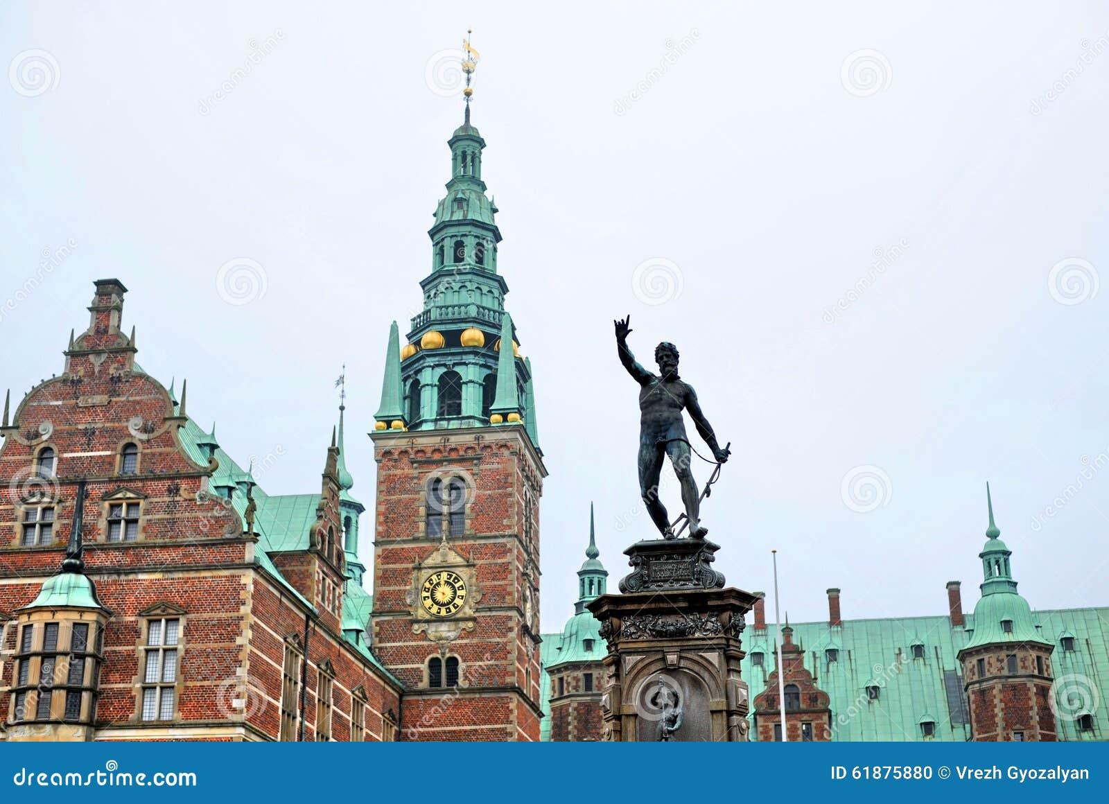 Castelo de Frederiksborg em Hillerod, Dinamarca