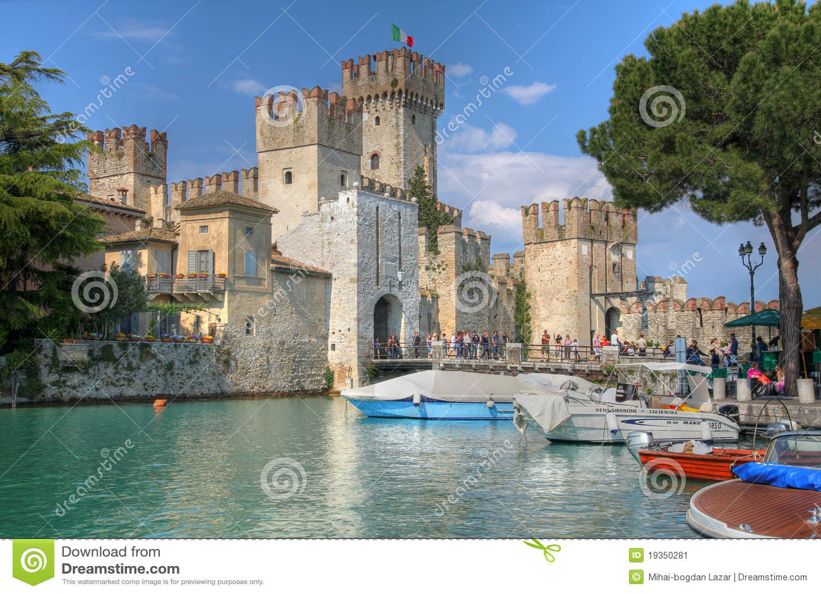 Castelo de Scaliger, Sirmione no lago Garda, Italy