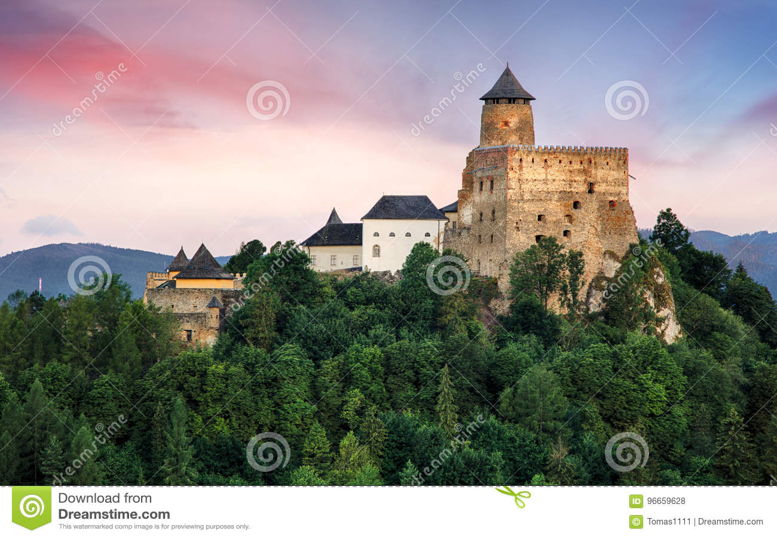 Castelo de Stara Lubovna marco em Eslováquia, Europa