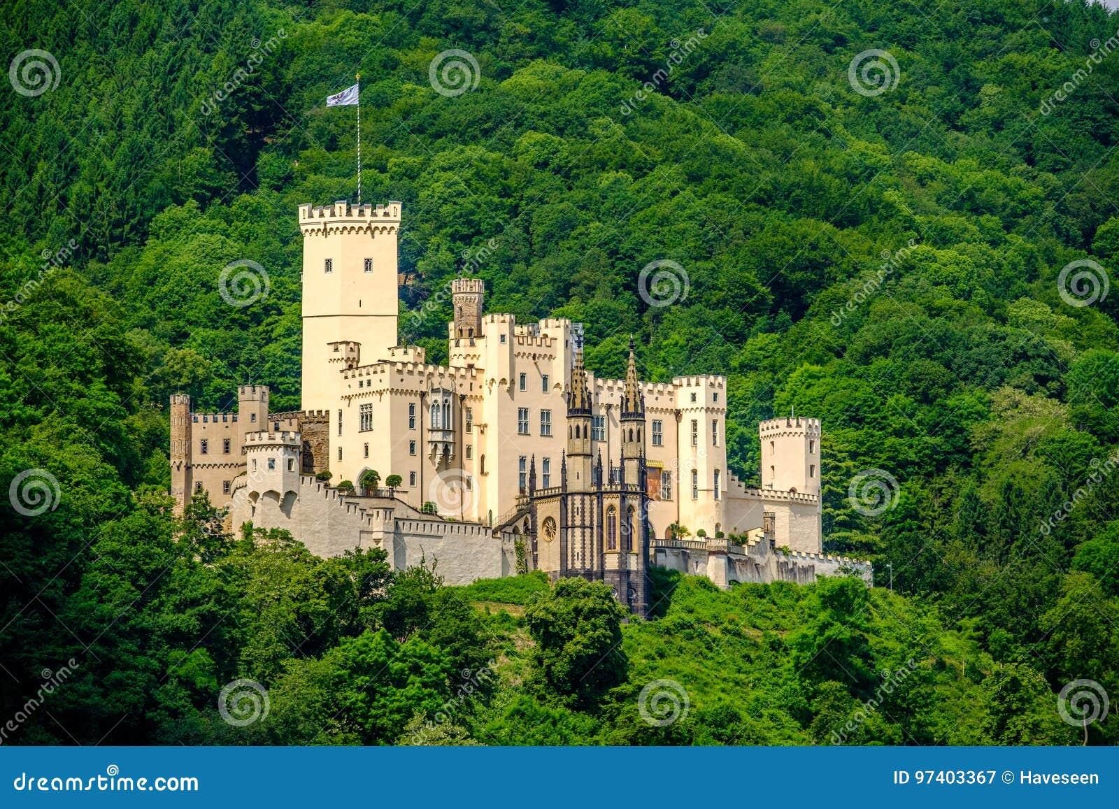 Castelo de Stolzenfels no vale do Reno perto de Koblenz, Alemanha