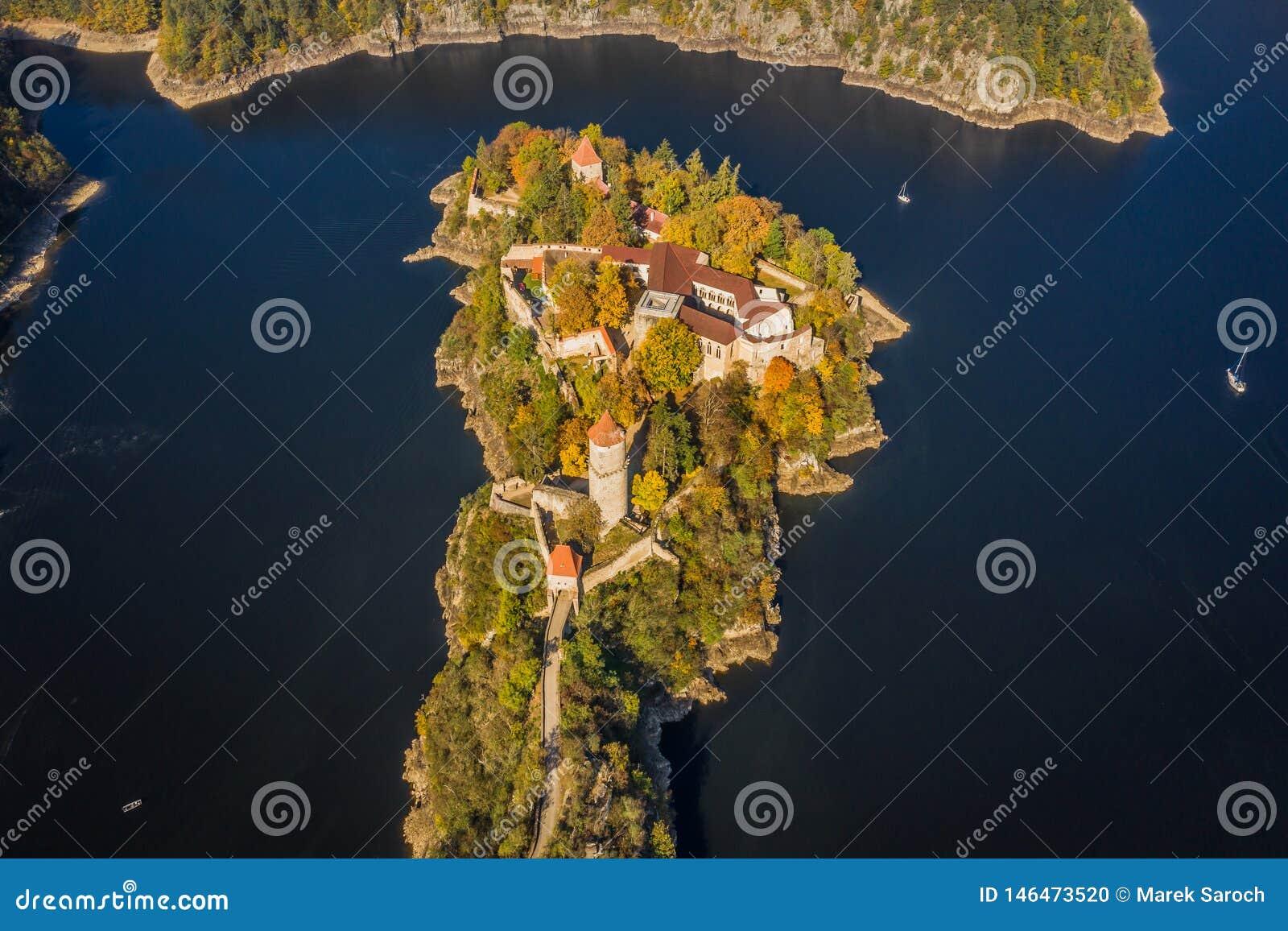 Castelo de Zvikov no sul de Bo?mia em Rep?blica Checa