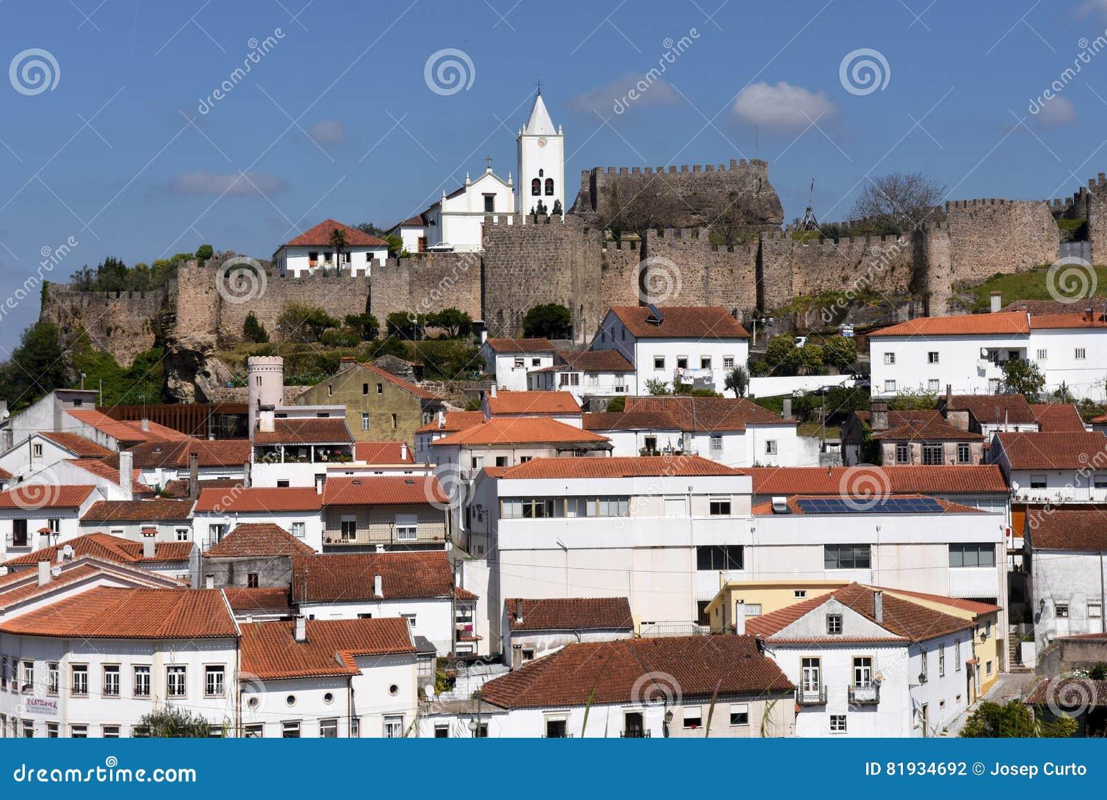 Castelo E Vila De Penela, Região De Beiras, Foto de Stock