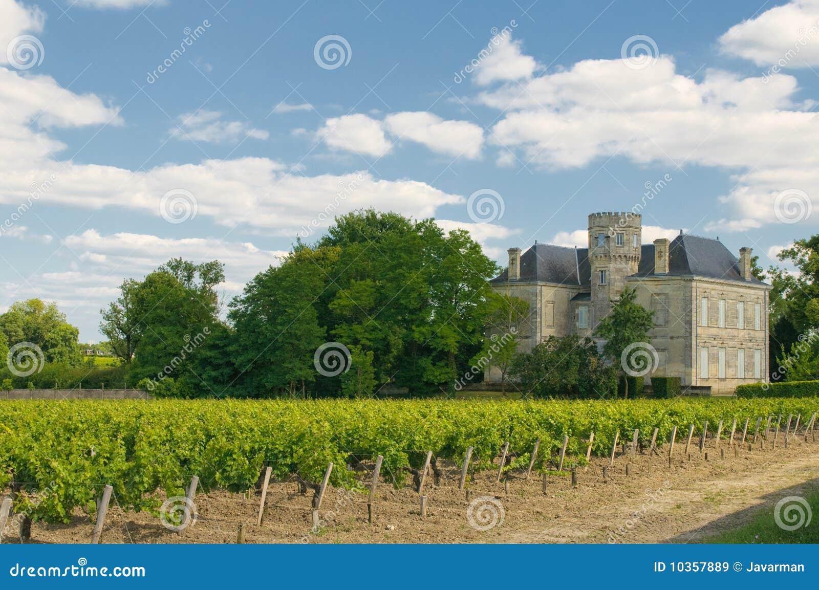 Castelo e vinhedo em Margaux, Bordéus, France