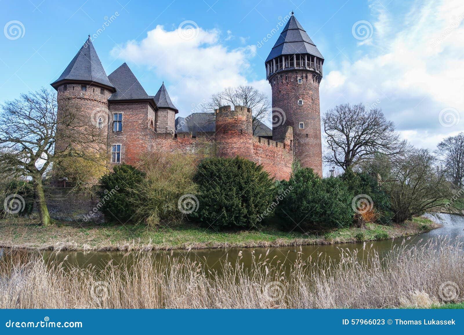 castelo linn krefeld alemanha imagem de stock imagem de heritage turista 57966023. Black Bedroom Furniture Sets. Home Design Ideas