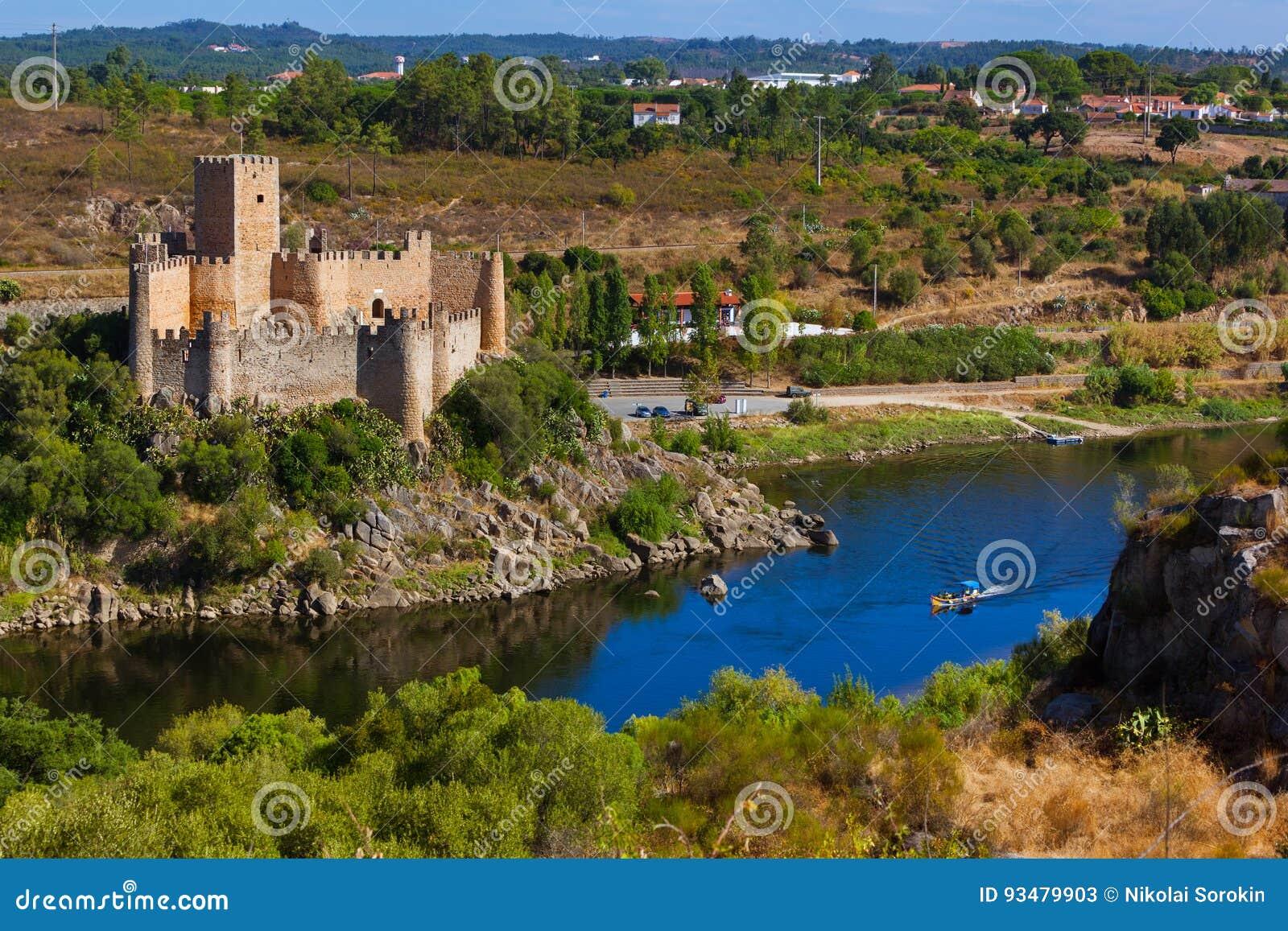 Castillo De Almourol Portugal Imagen De Archivo Imagen De Castillo Europa 93479903