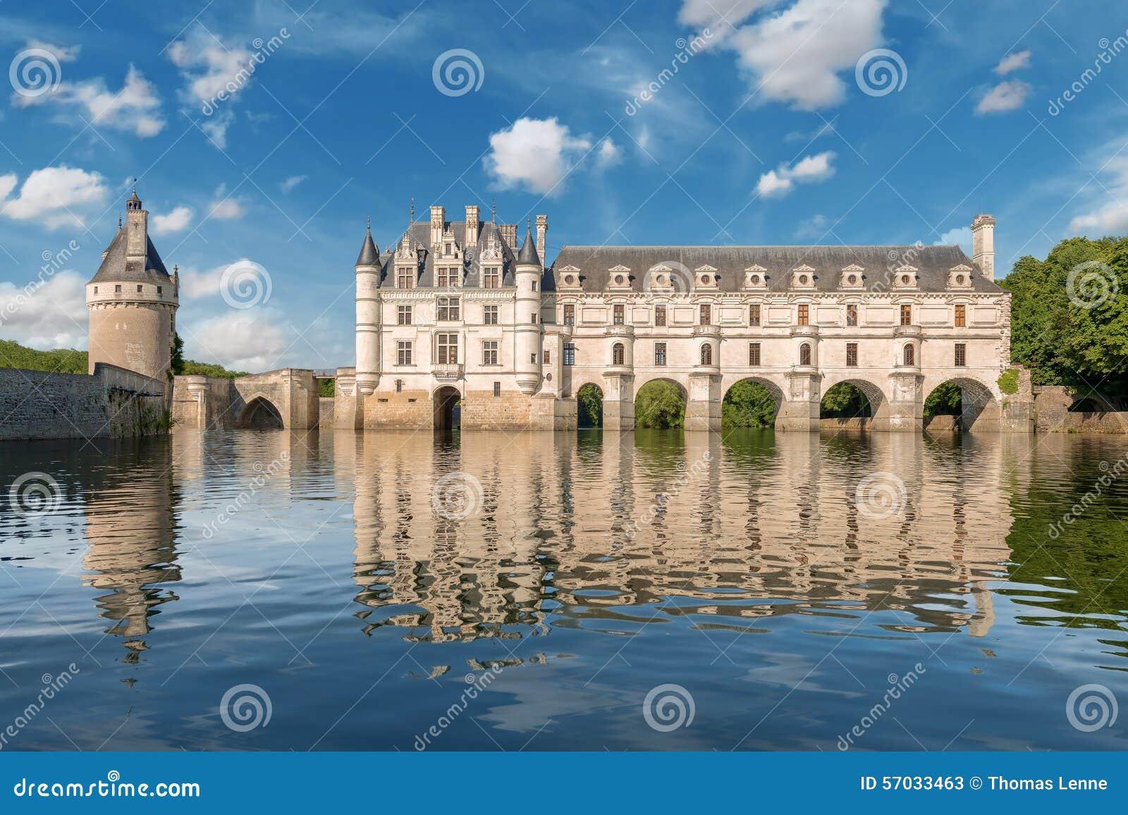 Castillo de Chenonceau, construido sobre el río de Cher, el valle del Loira, Francia