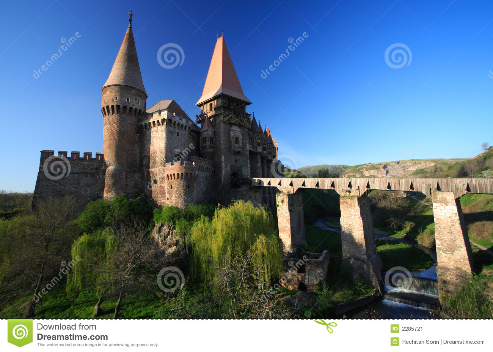 Castillo de Corvinesti
