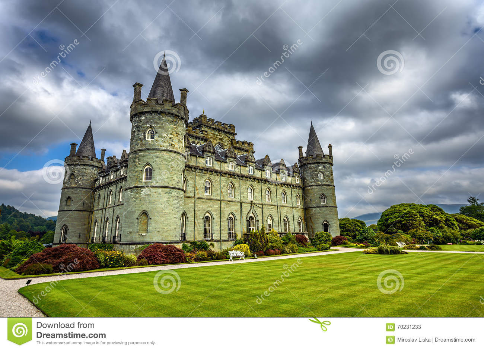 Castillo de inveraray en escocia occidental reino unido for Le chateau le plus beau du monde