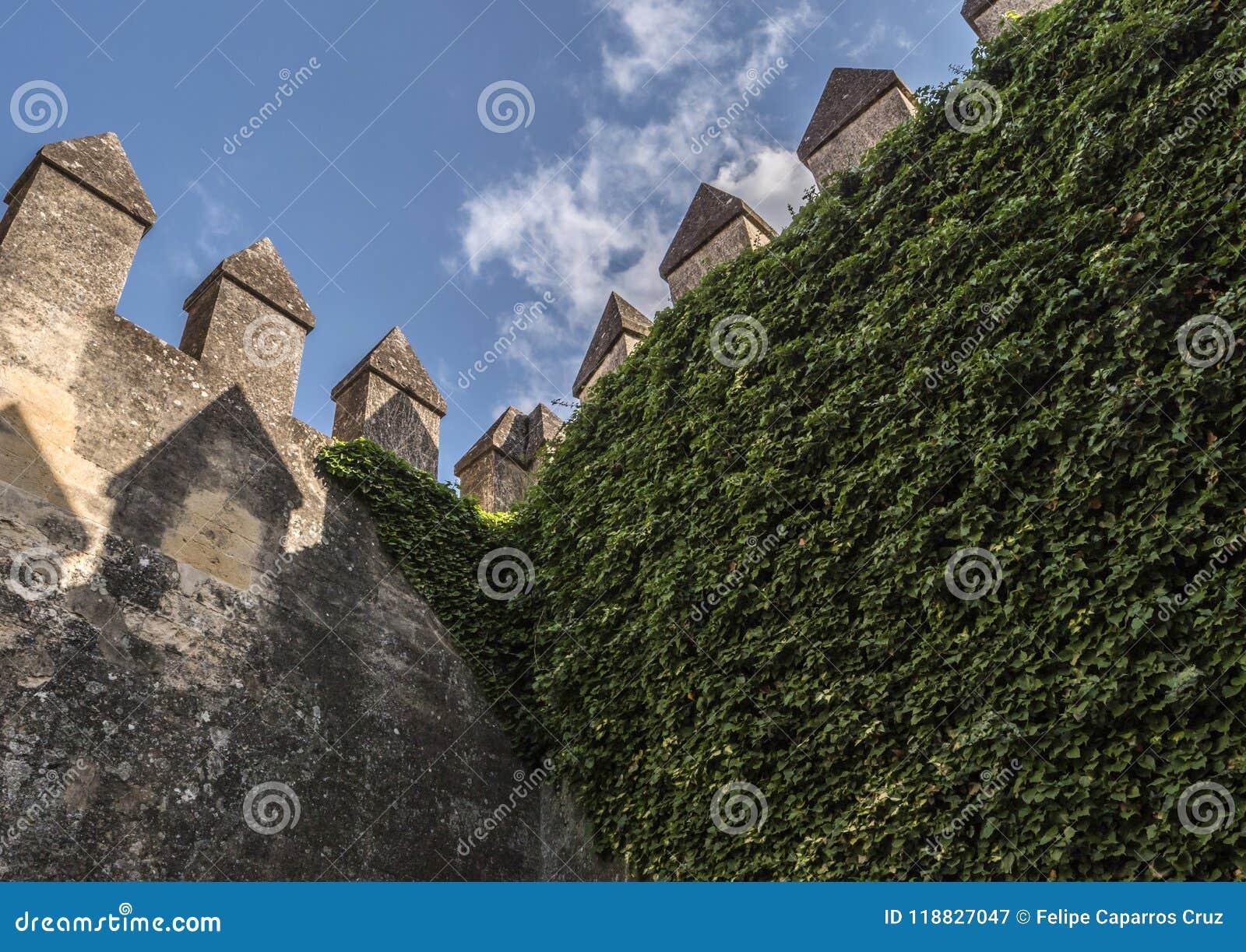 castillo del del río de almodovar es una fortaleza de ánimo del