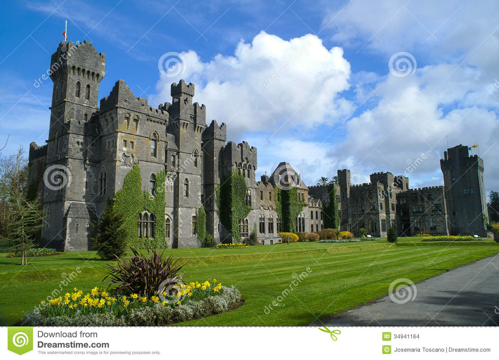 Castillo famoso de Ashford, condado Mayo, Irlanda.