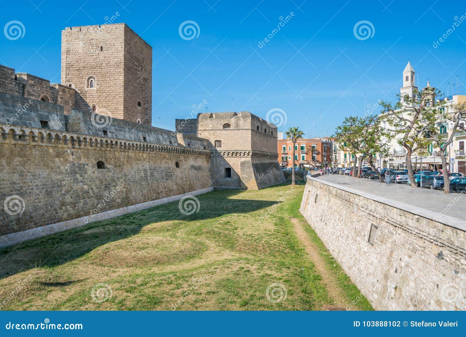 Castillo suabio de Castello Svevo en Bari, Apulia, Italia meridional