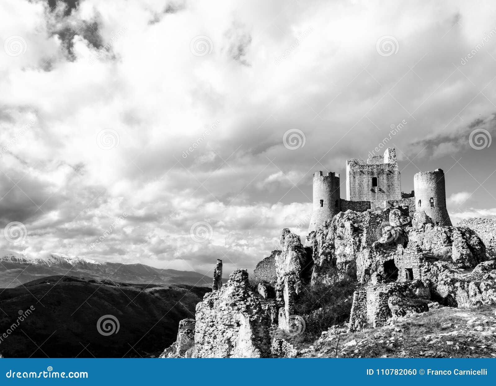 Castle στον ουρανό