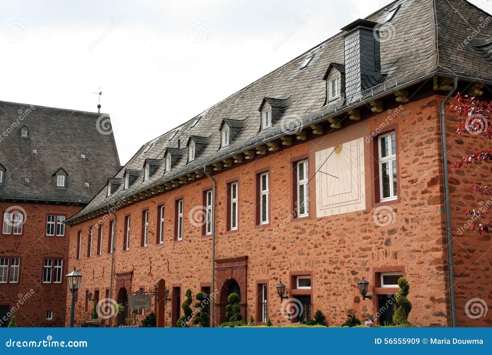 Download Castle de Adolfsburg εκδοτική στοκ εικόνα. εικόνα από windows - 56555909