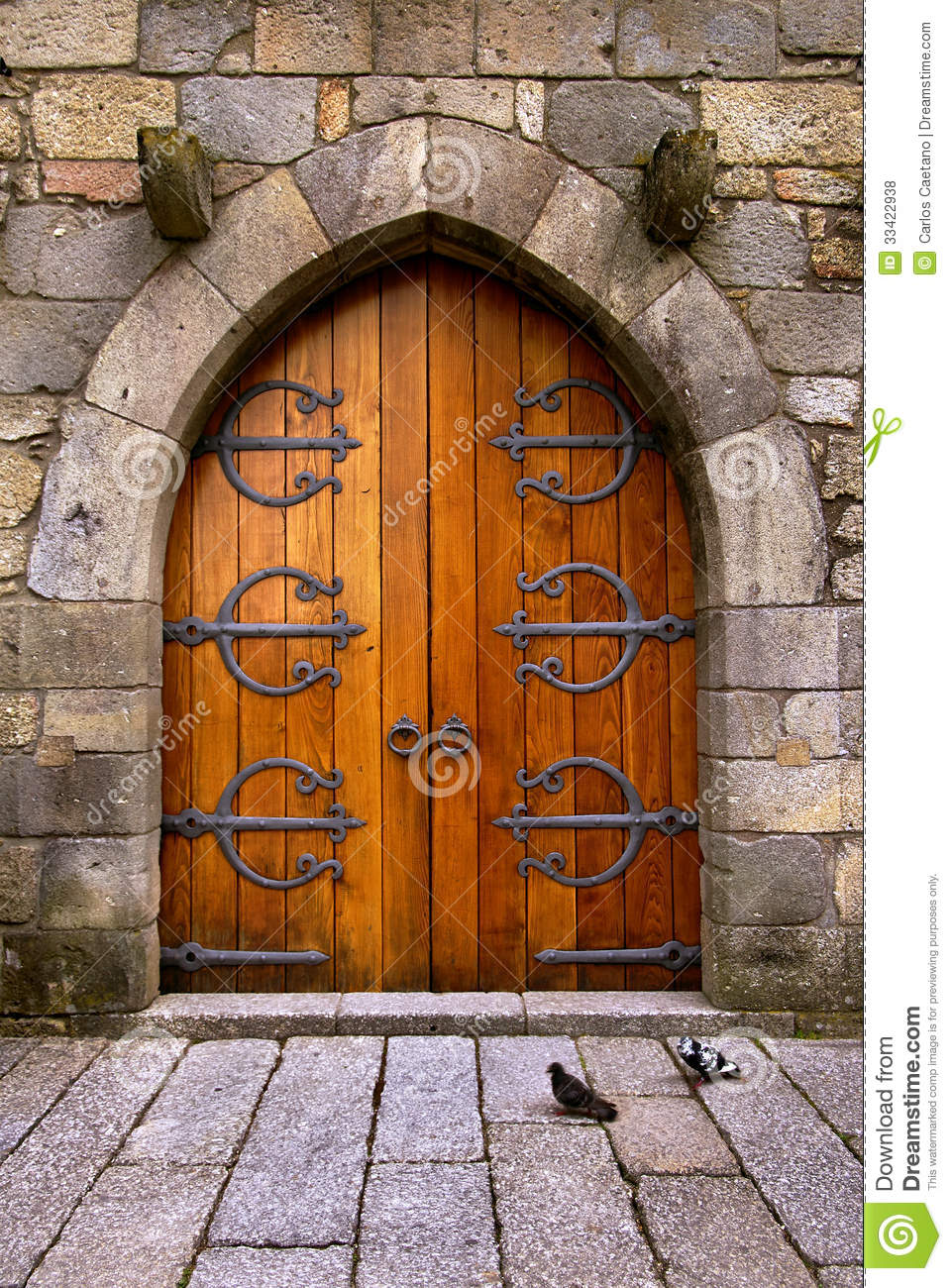 Castle Door & Castle Door stock photo. Image of iron handle antique - 33422938